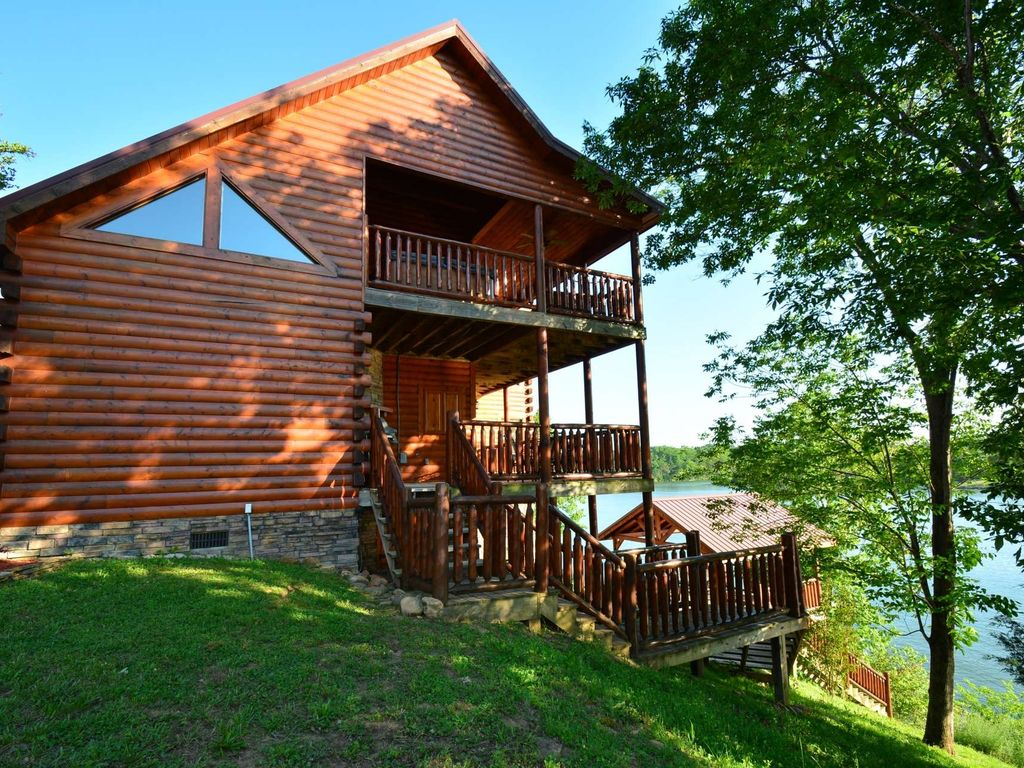 modern cabins lake massey on rent rental secluded cabin br lakefront the for cottage in vacation