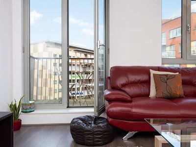 Photo for 2 Bedroom Flat In Holloway With Balcony And Courtyard