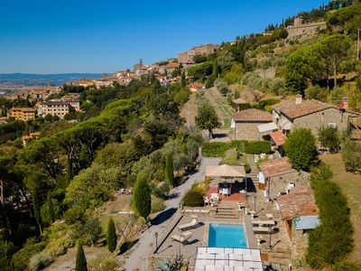 Photo for Beautiful villa with private swimming pool near the centre of Cortona