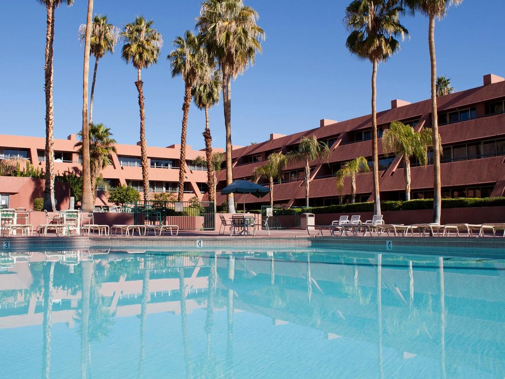 1BR Condo w  Pool View  Tennis Court  Pool  WiFi and Nearby Horseback  Riding  Marquis Villas Resort Palm Springs. 1BR Condo w  Pool View  Tennis Court       HomeAway Palm Springs