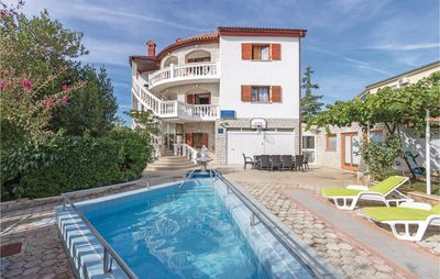 Photo for 8 bedroom accommodation in Pula
