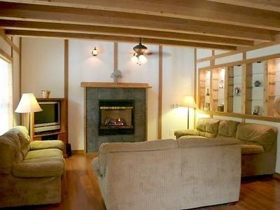 Photo for Vacation home 59MBR Pet Friendly Cabin w/ Hot Tub in Mount Baker/Glacier - 6 persons, 3 bedrooms