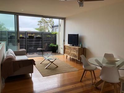 Photo for Entire 2 bed 2 bath Albert Park Apartment