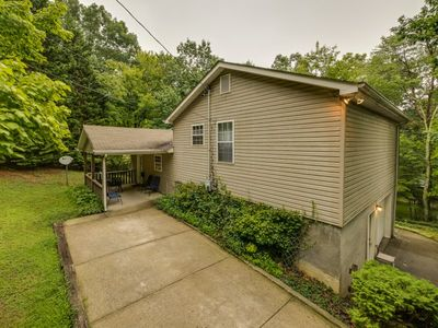 Photo for Covenant Cottage, Lookout Mountain Near Rock City. 50% Down To Reserve.