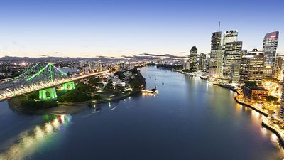 Photo for 1 Bedroom Apartment on the banks of the Brisbane river, only a short walk to CBD