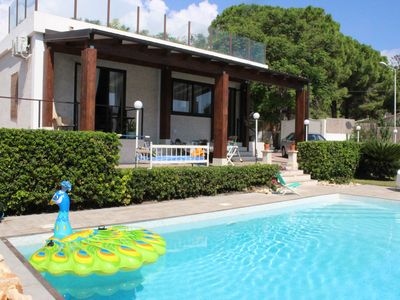 Photo for Villa with swimming pool Fontane Bianche 300 meters from the beach and the sea