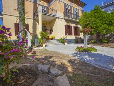 Photo for Villa Elide - Chiara 4 people Independent apartment Historical residence GARDEN