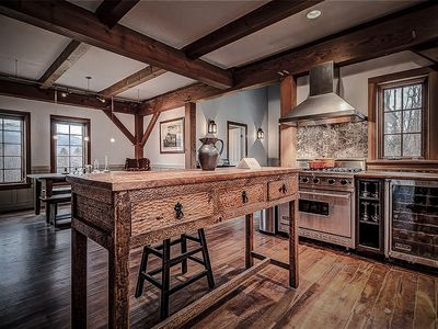 Photo for Romantic Luxury Home With Mountain Views