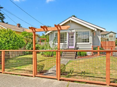 Craftsman 1918 Bungalow, Riverside Park, West Seattle, Come play and relax here!