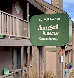 Photo for Fantastic townhome/condo walking distance to Angel Fire ski resort!