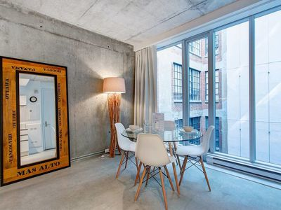 Photo for Modern & Urban 1BR Square Victoria-ICAO!