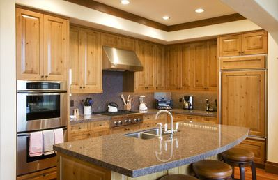 Photo for Luxury Vacation Rental  :: Thunder Spring :: Mountain Dance Unit 6 (G-6)
