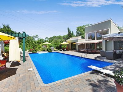 Photo for Peaceful Hamptons Retreat! 5 Bed+Pool - Sleeps 10!