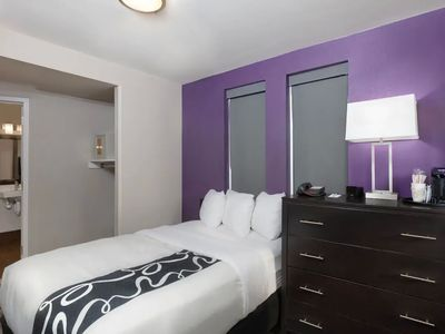 Photo for Stunning Executive Room Near Central Park!