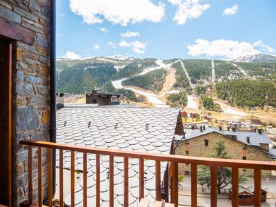 Photo for Esquirol 51 apartment in Canillo with WiFi, private parking, balcony & lift.