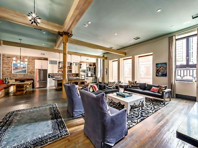 ❤️ of Downtown- 3 BR Walk to Everything! Writers Loft- Printers Alley Lofts