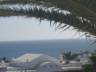Photo for Centrally Located Accommodation With Sea And Mountain Views