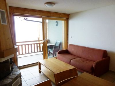 Photo for 3*+ ,1-bedroom-apartment for 4-6 people, located near the ski slopes.Spacious living room with firep