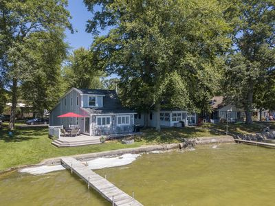 Photo for Quiet 3 bedroom 2 bath cottage right on Gun Lake sleeps  8-10