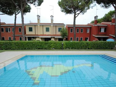 Photo for 2 bedroom Apartment, sleeps 6 in Bibione with Pool and Air Con