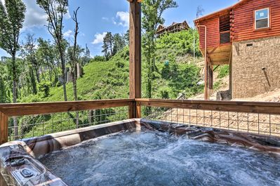 You'll enjoy amenities including a hot tub and gorgeous views.