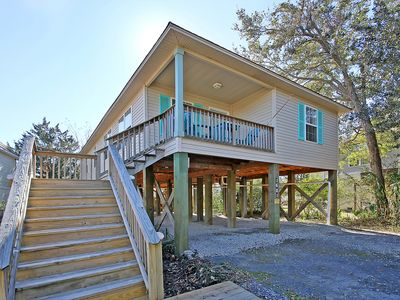 Photo for LAUGHING PELICAN- 4 BR, 2 BA- HOUSE-VERY CONVENIENT TO CHARLESTON/FOLLY BEACH