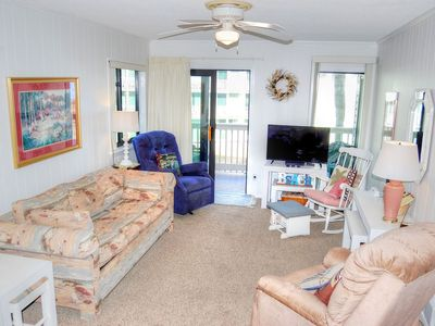 Popular Golden Mile location within a short distance of many local attractions!