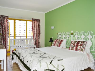 Photo for 1 bedroom apartment with pool 400mt from Praia da Rocha