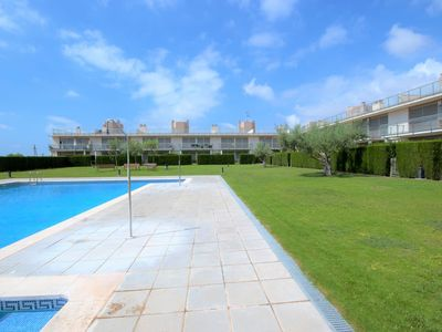 Photo for Comfortable apartment in urbanization with communal pool in Ampolla (Delta Ebro)