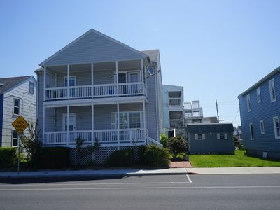 4 Bedroom/2 Bathroom Home close to the Boardwalk