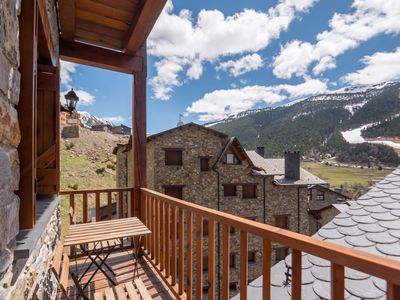 Photo for Esquirol 52 apartment in Canillo with WiFi, private parking, balcony & lift.