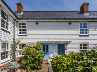 Photo for Sands End -  a cottage that sleeps 4 guests  in 2 bedrooms