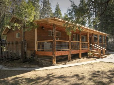 Photo for Cozy Bass Lake cabin super close to the lake and close to Yosemite!