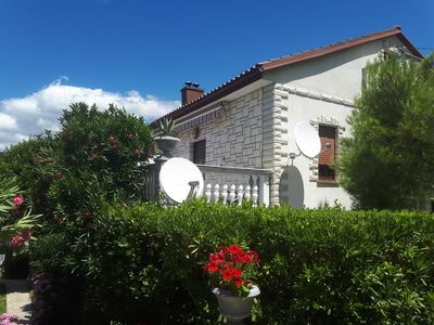 Photo for Holiday apartment with satellite TV, 200 m from shingle beach