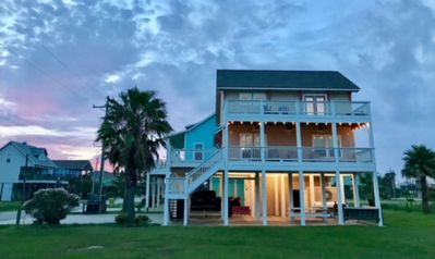 Photo for Updated, close to the beach - great extras -- No Pier Pressure