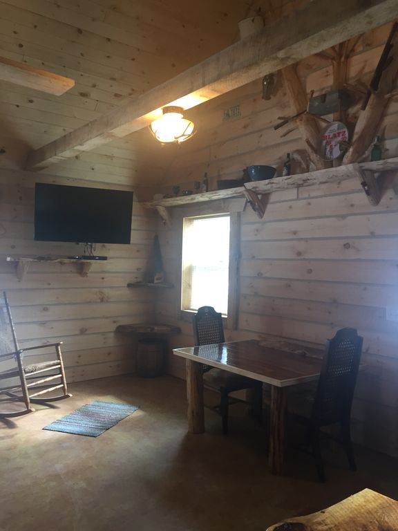 Bonnie 39 s city cabin madison 39 s only log cabin rental for Madison cabin rentals