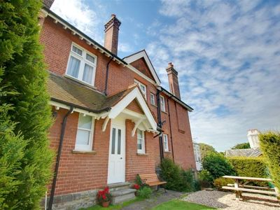 Photo for Vacation home Barley Lane  in Hastings, South - East - 5 persons, 3 bedrooms