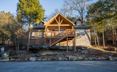 Photo for Dragan's Den - Relaxing 2 Bedroom, 2 Bath Pet-Friendly Lodge! Features a Wii!