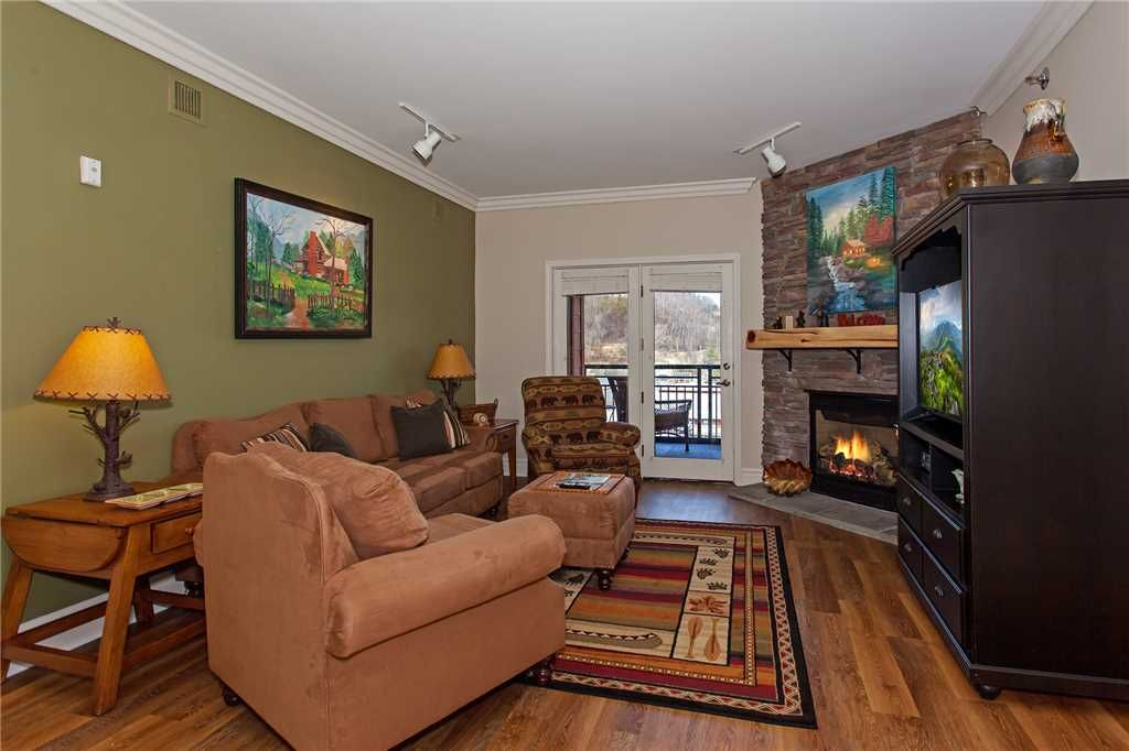 Baskins creek 409 luxury condo walk to downtown - Gatlinburg 3 bedroom condo rentals ...