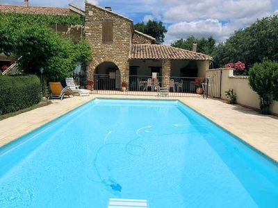 Photo for Landhouse overlooking Vaison-la-Romaine, swimming pool, dog allowed
