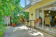 Beautifully Decorated Pet Friendly Duplex Vacation Home close to the Beach