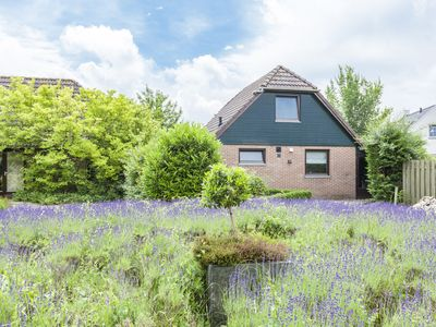 Photo for Holiday home in a small holiday park, near the Veerse lake