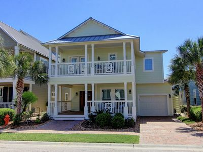 Photo for Bright beach home, great location by Lake Gavin