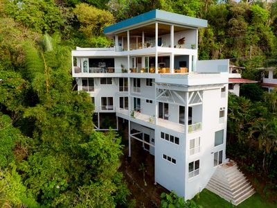 Photo for 9BR Villa Vacation Rental in Manuel Antonio