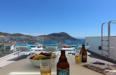 Chilling on the roof terrace with a bottle of ice cold Efes!