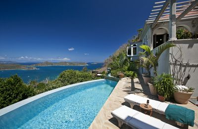 Coral Bay exquisite villa ...you can nearly see Africa - St. John Villa Solemare