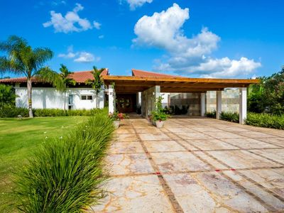 Photo for Luxury Villa in the heart of the caribbean!