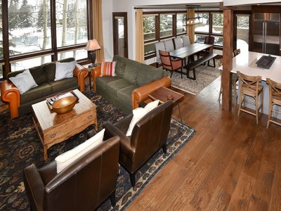 Open floor plan for entertaining