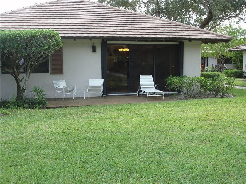 Beautiful Newly Renovated 2 Bedroom 2 Bath Cottage At Pga National Resort Palm Beach Gardens