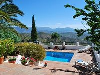 Great property, with amazing views and pool. Isolated and quiet. Picturesque, great place to relax